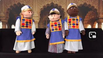 Puppets do John the Baptist's Birth